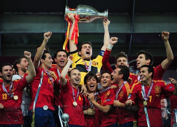 Spania spulbera Italia si castiga EURO 2012